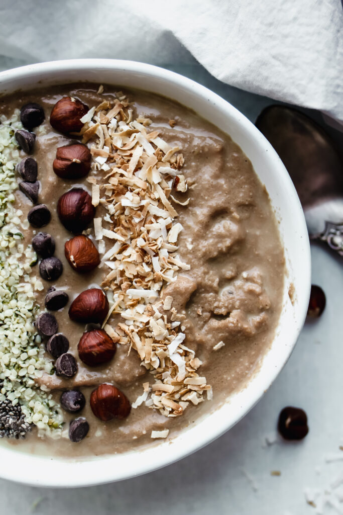 peanut butter chocolate smoothie bowl