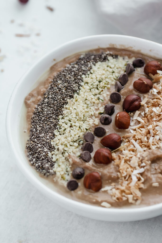 keto peanut butter chocolate smoothie bowl