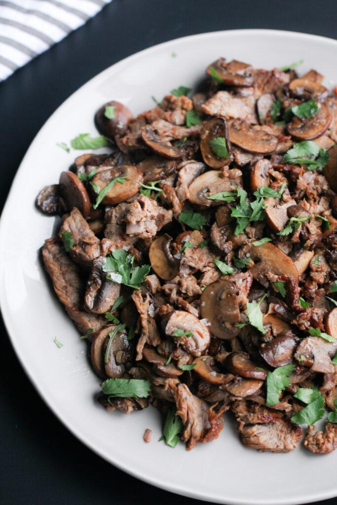 steak with balsamic mushrooms
